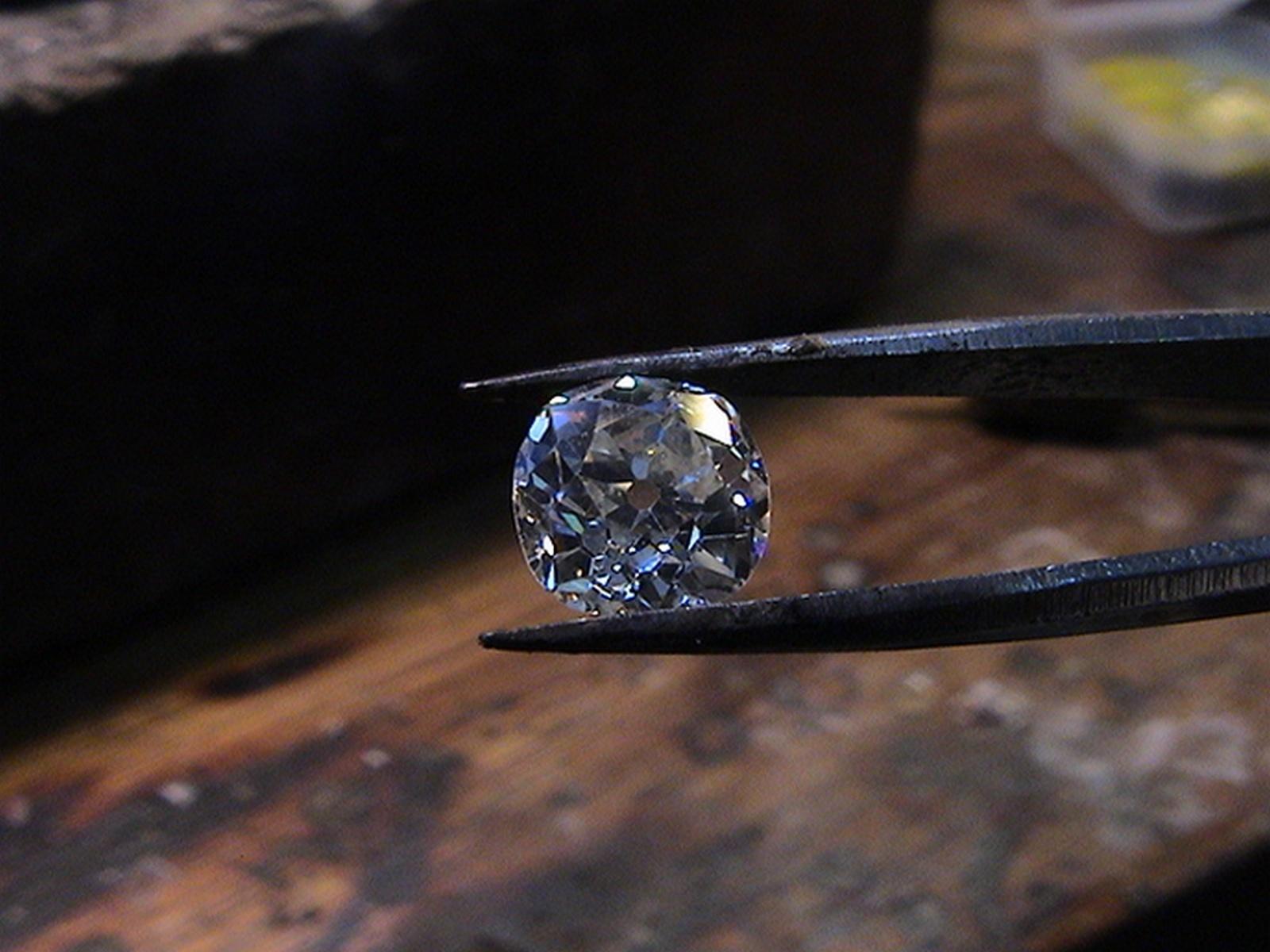 Diamantbestattung mit Abschied Bestattung