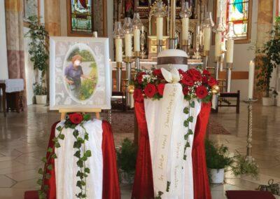 Altar mit Urne