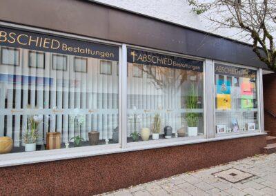 Glasfront am Standort Penzberg